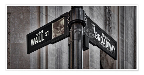 Póster NYC Wall Street And Broadway Sign-New York City´s Broadway Canyon of Heroes and Wall Street Sign.