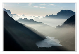 Póster Mist on peaks of Dolomites and Monte Civetta seen from Cima Belvedere at dawn, Val di Fassa, Trentin
