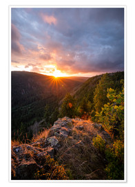 Póster  Dramatic sunset on a cliff in the Harz - Oliver Henze