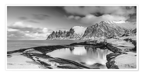 Póster Arctic shore - Northern Norway (monochrome)