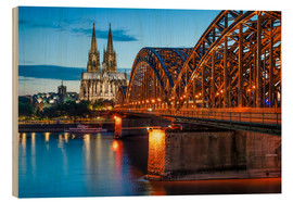 Cuadro de madera  Cologne Cathedral and Hohenzollern Bridge at night - Jan Christopher Becke
